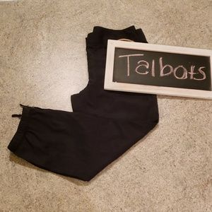 Petite Talbots Black Capris